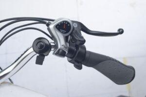 Axcess Hunter - Right hand side of handlebar